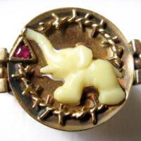 Ring mit Miniatur-Elefanten von Rosa Jochmann