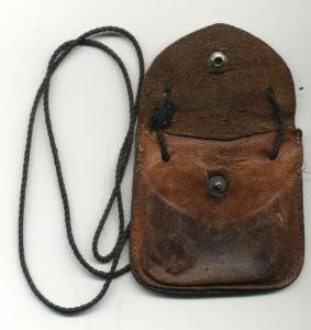 """Brustlederbeutel"", Foto: Erstdokumentation/Sachsenhausen/Inventarnummer 06.00052"